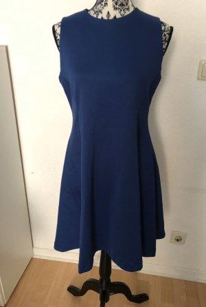 Blaues kleid neu