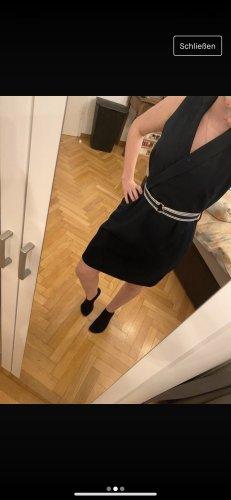 Blaues Kleid - V-Ausschnitt - Gürtel