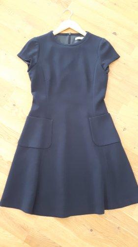 Blaues Kleid von Jakes