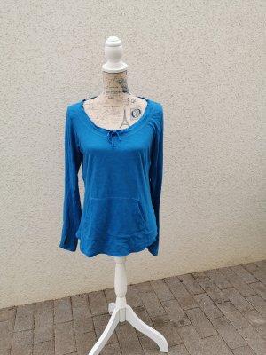 blaues Langarmshirt
