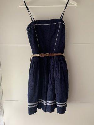 Blaues Minikleid