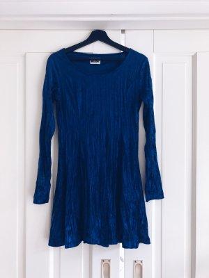 Blaues Samtkleid von Weekday