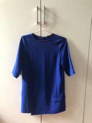 Blaues Sommerkleid mit schönen Details Zara