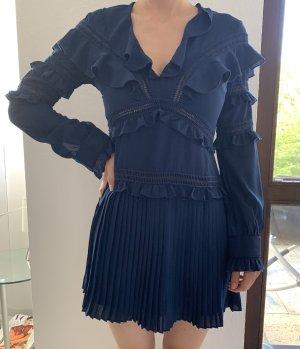Blaues Sommerkleid von Prettylittlething