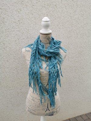 Bufanda de ganchillo azul claro