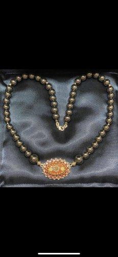 Collar de perlas marrón-negro