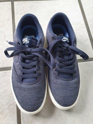 Blaumelierte Sneakers