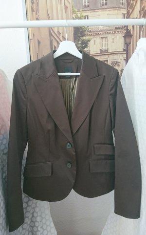 Blazer in der Trend-Farbe Mokka für den Herbst