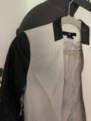 H&M Blazer en cuir crème-noir