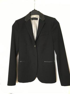 Blazer mit Leder von Zara