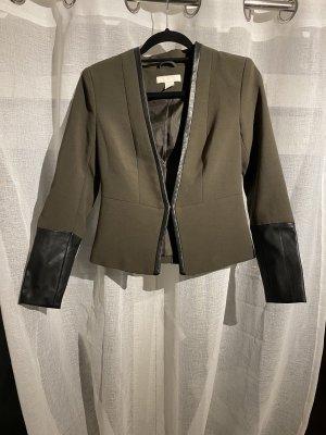 H&M Blazer de cuero caqui-negro