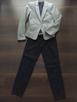Blazer und Hose im Marinestyle