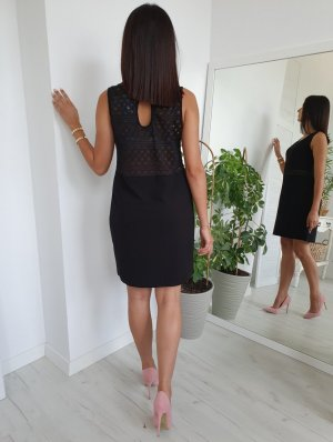 Falda estilo lápiz negro
