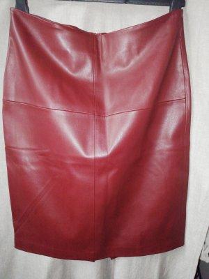 Mango casual Falda de cuero de imitación burdeos