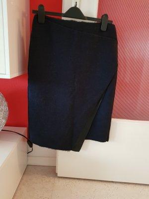 bleistiftrock von zara in dunkelblau