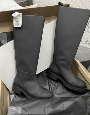 Blogger rainboots 38