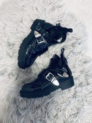 Cut Out Booties black