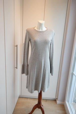 Bloggerstyle Kleid mit tollen Ärmeln Größe S *** N E U ***