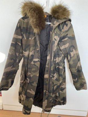 Blonde No.8 Camouflage Mantel