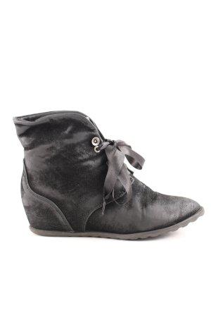 Blowfish Wedge Sneaker black casual look