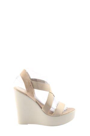 Blue Cox Platform Sandals cream casual look