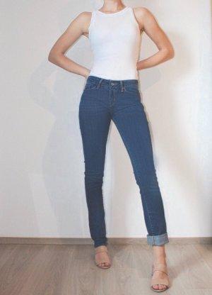 Blue Jeans Slim Leg