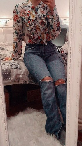Blümchen-bluse mit Rüschen