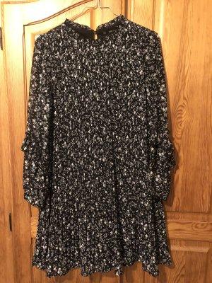 Blümchen Kleid von Zara