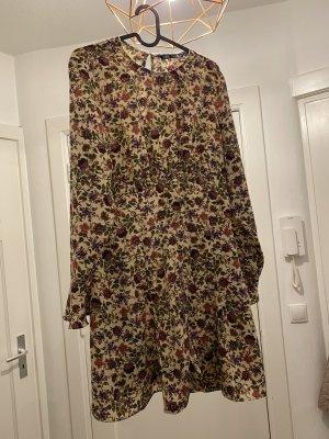 Blümchenkleid von Zara gr. L