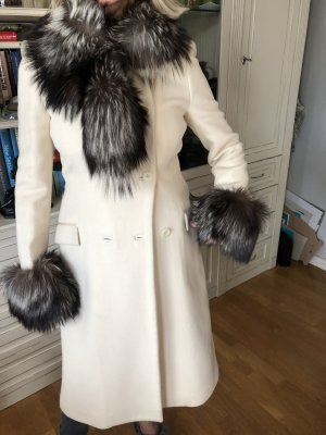 Blumarine Wełniany płaszcz w kolorze białej wełny Angora