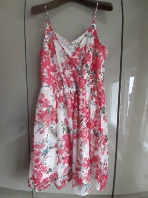 Blumen und Spitze Sommerkleid von Vero Moda