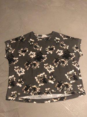 Blumenshirt / Soaked in Luxury