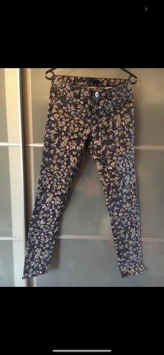 Blumige H&M Jeans