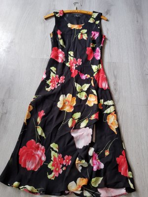 Blumiges schickes Sommerkleid von Barisal