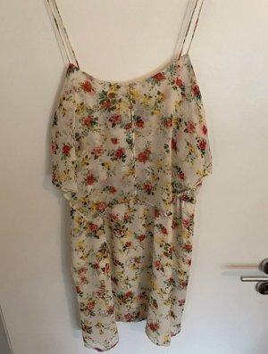 Blumiges Sommerkleid von Mango
