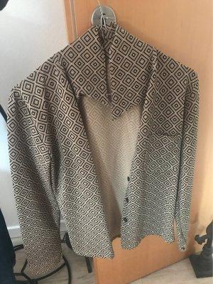 Cols de blouses noir-beige