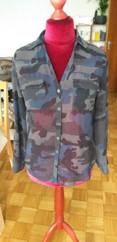 Bluse im Military Look