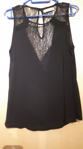 Bluse in schwarz mit Spitze