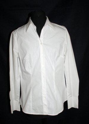 Bluse in weiss mit silbernen Streifen von TCHIBO