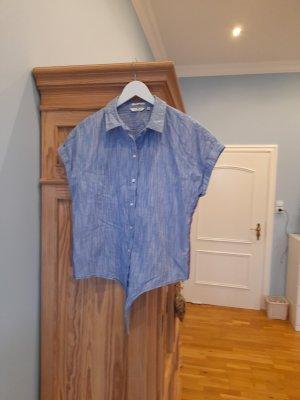 Bluse mit angeschnittenen Arm blau / weiß gestreift, an den Seiten eingesetzte Streifen ,Gr.36, geht aber auch als 38