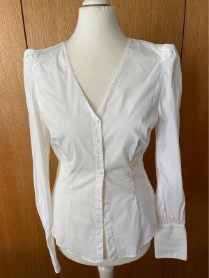 Bluse mit betonter Schulterpartie