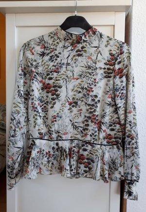 Bluse mit Blumenmuster von Zara