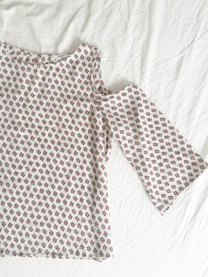 Bluse mit breiten Ärmeln und Cutouts an den Schultern NEU
