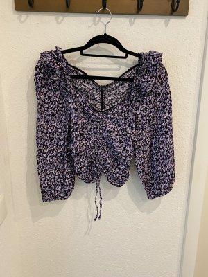 Bluse mit hübschen Details