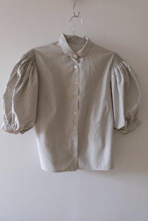 Bluse mit Puffärmeln mit handgezogenen Falten