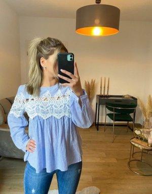 Boutique Comtesse Koronkowa bluzka błękitny-biały
