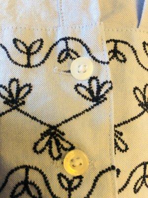 Bluse mit Stickereien