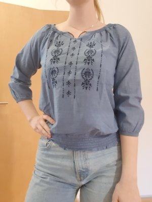 Bluse mit Stickmuster von H&M