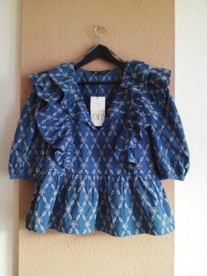 Bluse mit Volants und Lochstickerei in blau-weiss, Größe S, neu