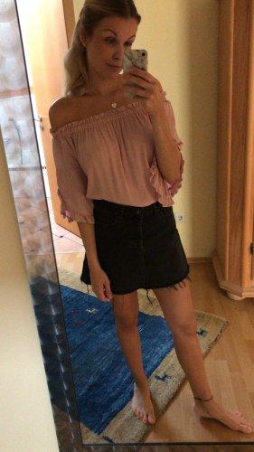 Bershka Blusa alla Carmen rosa chiaro-rosa